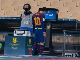 Leo Messi després de ser expulsat a La Cartuja