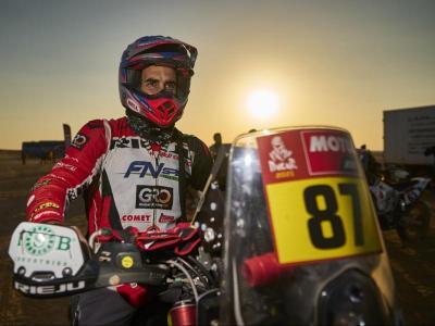 Oriol Mena, en una de les etapes del Dakar a l'Aràbia Saudita