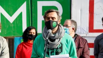El portaveu  de la PAH, Santi Mas de Xaxàs, ahir a les portes del Parlament