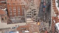 Vista aèria de l'explosió de gas que va causar tres morts en un edifici del bisbat al cèntric carrer Toledo de Madrid