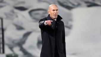 Zidane dirigint un partit