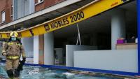 Vidres trencats en una botiga de  Sabadell