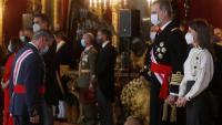 El cap de l'estat major de la Defensa (Jemad), Miguel Ángel Villarroya, saluda el rei Felip VI