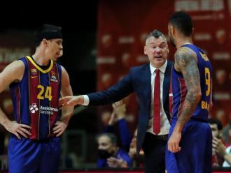 Saras alliçona els seus jugadors a Belgrad
