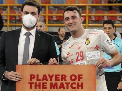 Aitor Ariño, autor de 8 gols i escollit jugador més valuós del partit