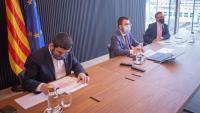 El vicepresident del Govern, Pere Aragonès, el conseller d'Empresa Ramon Tremosa i el de Treball, Chakir El Homrani durant la reunió del Consell de Diàleg Social