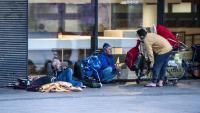Uns sensesostre en un carrer de la capital catalana