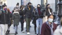 Gent al Portal de l'Àngel de Barcelona