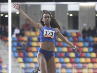 Maria Vicente , en un concurs de salt de llargada a Sabadell