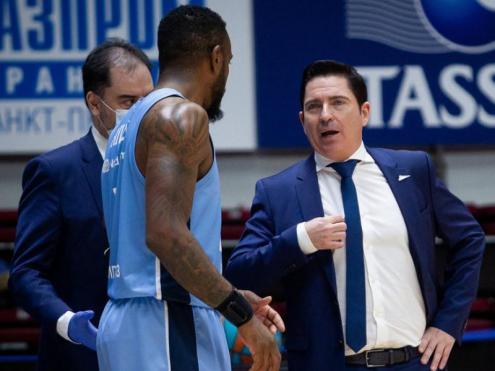 Pascual amb el seu ajudant Zorzano al Zenit