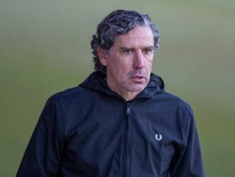Raúl Garrido des de la banda del municipal dirigint al seu equip en el partit contra l'Espanyol B