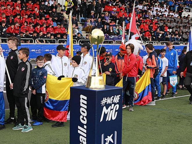 L'acta d'inauguració del MIC19 que es va celebrar a l'estadi de Vilatenim