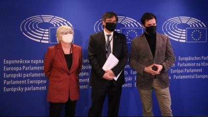 Clara Ponsatí, Carles Puigdemont i Toni Comín, al Parlament Europeu