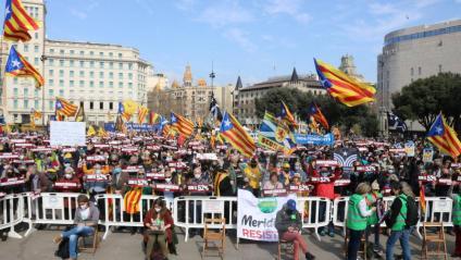La plaça Catalunya de Barcelona plena de gent en l'acte de l'ANC