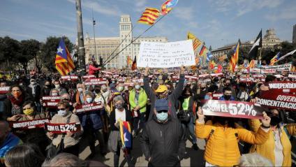 Participants a l'acte de la plaça Cataunya