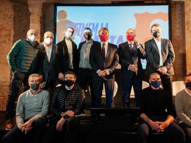 Joan Laporta va rebre el suport d'exfutbolistes del club en la presentació del projecte esportiu