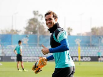 Raúl de Tomás, dubte per al partit contra l'Sporting per unes molèsties musculars