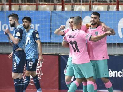 Els blaugrana celebren un dels seus gols