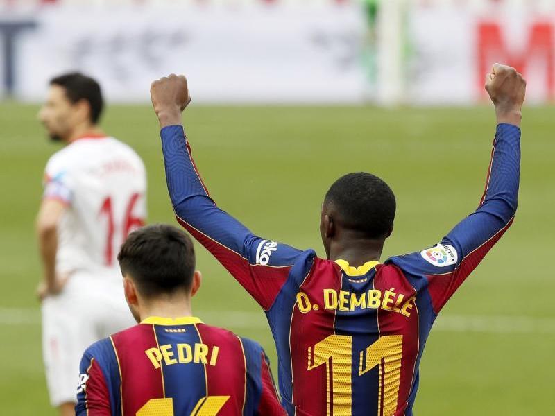 Ousmane Dembélé celebra el primer gol del partit