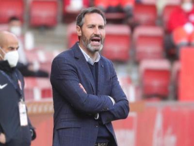 Vicente Moreno ha lamentat l'empat del seu equip després del mèrits fets avui a El Molinón.
