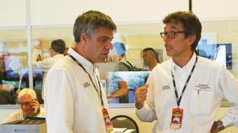 Barfull, a la dreta, durant una edició del Ral·li Catalunya, parlant amb Barrabés