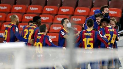 Eufòria amb el gol de Piqué que duia el partit a la pròrroga