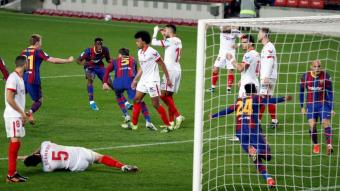 Eufòria dels jugadors del Barça amb el gol de Piqué, que forçava la pròrroga