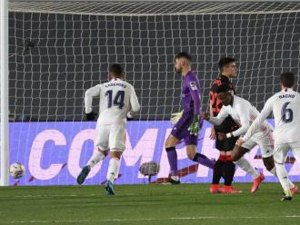 Vinicius frustrant la Real Sociedad quan els guipuscoans ja es veien amb els punts
