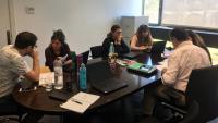 Una reunió de treball d'un campus