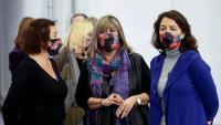 Les diputades Alícia Romero i Eva Granados flanquegen la presidenta de la Diputació, Núria Marín, en l'acte de dones del PSC celebrat ahir