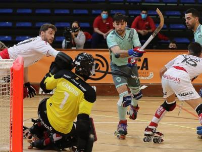 Lucas Martínez (2) remata contra el Reus