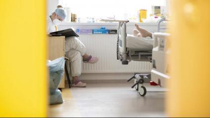 La quarta onada s'enfila a Catalunya amb 515 malalts greus a les UCIs