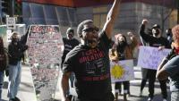 Les protestes a Minneapolis han tornat a començar per la mort d'un jove negre en un control policial
