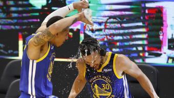 Curry celebrant el seu nou rècord