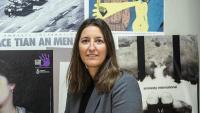 Adriana Ribas, coordinadora d'Amnistia Internacional Catalunya, a la seu de l'organització, a Barcelona