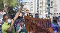 Concentració per a la regularització del col·lectiu de  les persones immigrants a Barcelona