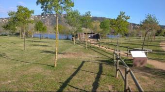 La zona del parc dels Estanys, on s'havia instal·lat el monòlit, ara sense aquest