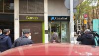 Una oficina de Bankia en ple procés de canvi de rètols pels de CaixaBank