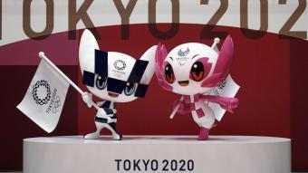 Les estàtues de les mascotes olímpiques que es posaran per Tòquio