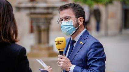 El vicepresident Aragonès,  parlant ahir a Catalunya Ràdio des del Palau de la Generalitat