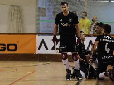 Celebració benfiquista contra el Barça amb Lamas dret i Lucas, Pinto i Diogo