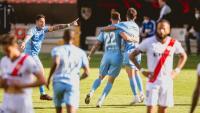 Aday, Santi Bueno i Stuani celebren el 0-1 que va aconseguir el central uruguaià a Vallecas