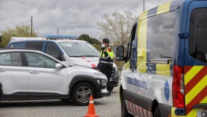 Un control policial a l'AP-7 pel confinament comarcal