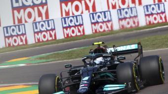 Valtteri Bottas (Mercedes) ha dominat les dues primeres sessions del GP d'Emilia Romagna