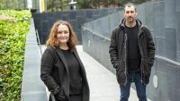 La directora de televisió  i guionista Tània Balló i l'historiador Gonzalo Berger, fotografiats divendres a Barcelona