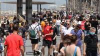 Molta gent ja passeja sense mascareta a Tel Aviv. Els israelians ja no estan obligats a portar mascareta a l'aire lliure a partir d'aquest diumenge gràcies al bon ritme de vacunació del país
