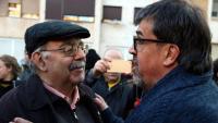 Jordi Pesarrodona saluda l'alcalde de Callús, Jordi Badia (ERC) en una imatge del 7 de febrer de 2018