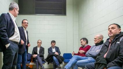 Els set presos polítics abans de deixar Lledoners i ser traslladats a Madrid