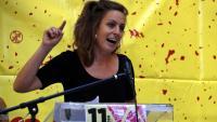 La diputada de la CUP a Madrid, Mireia Vehí, en un acte de l'esquerra independentista amb motiu de la Diada a Lleida