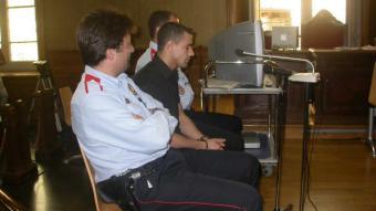 Imatge del segon detingut per l'assassinat del maleter a Roses, durant un judici anterior també per assassinat a Empuriabrava el 2003